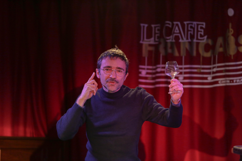Lecture de Didier Galas au Café Français Photo (c) Fabienne Boueroux