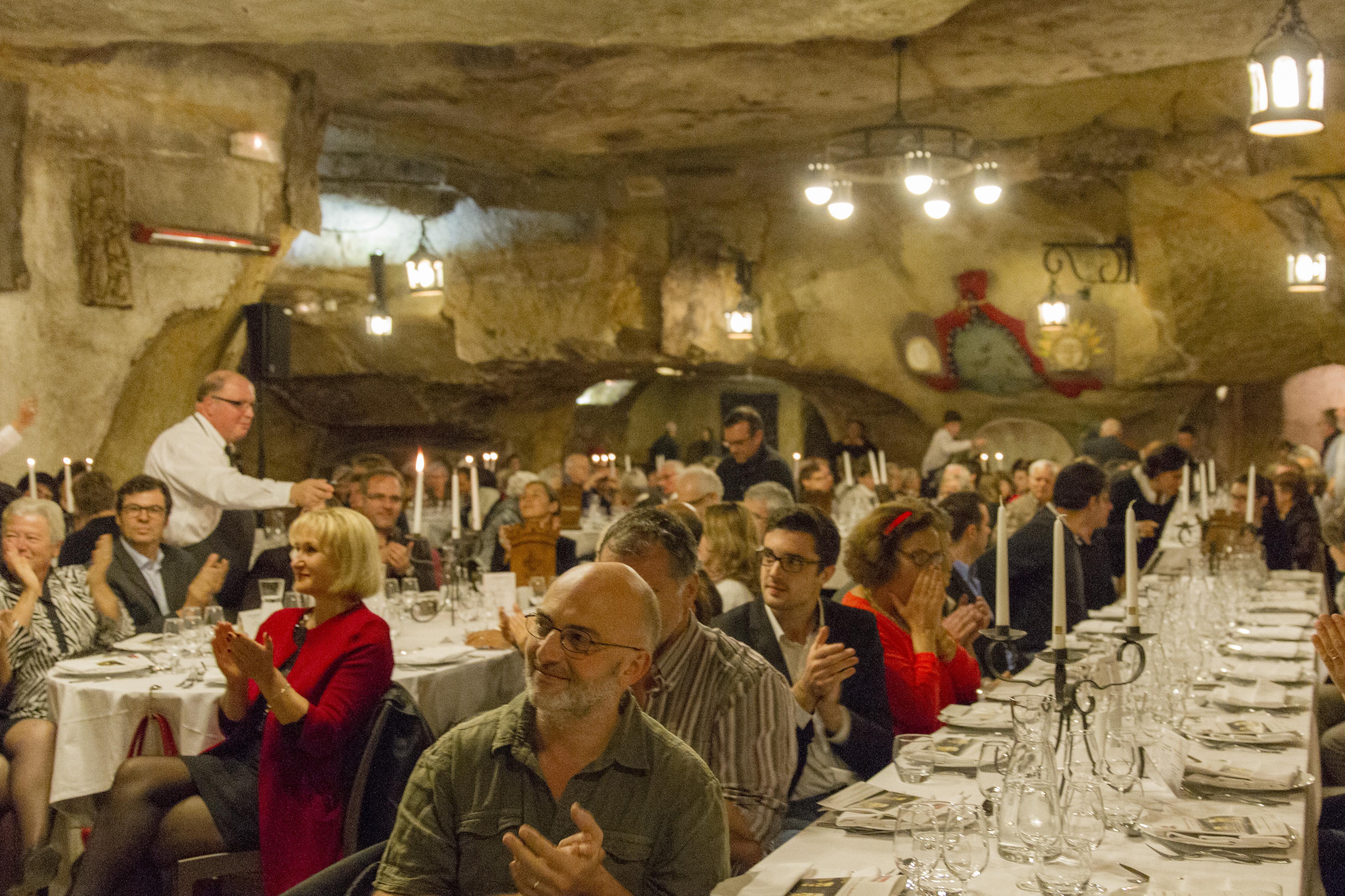 Dîner spectacle dans les Caves Painctes Photo (c) Fabienne Boueroux