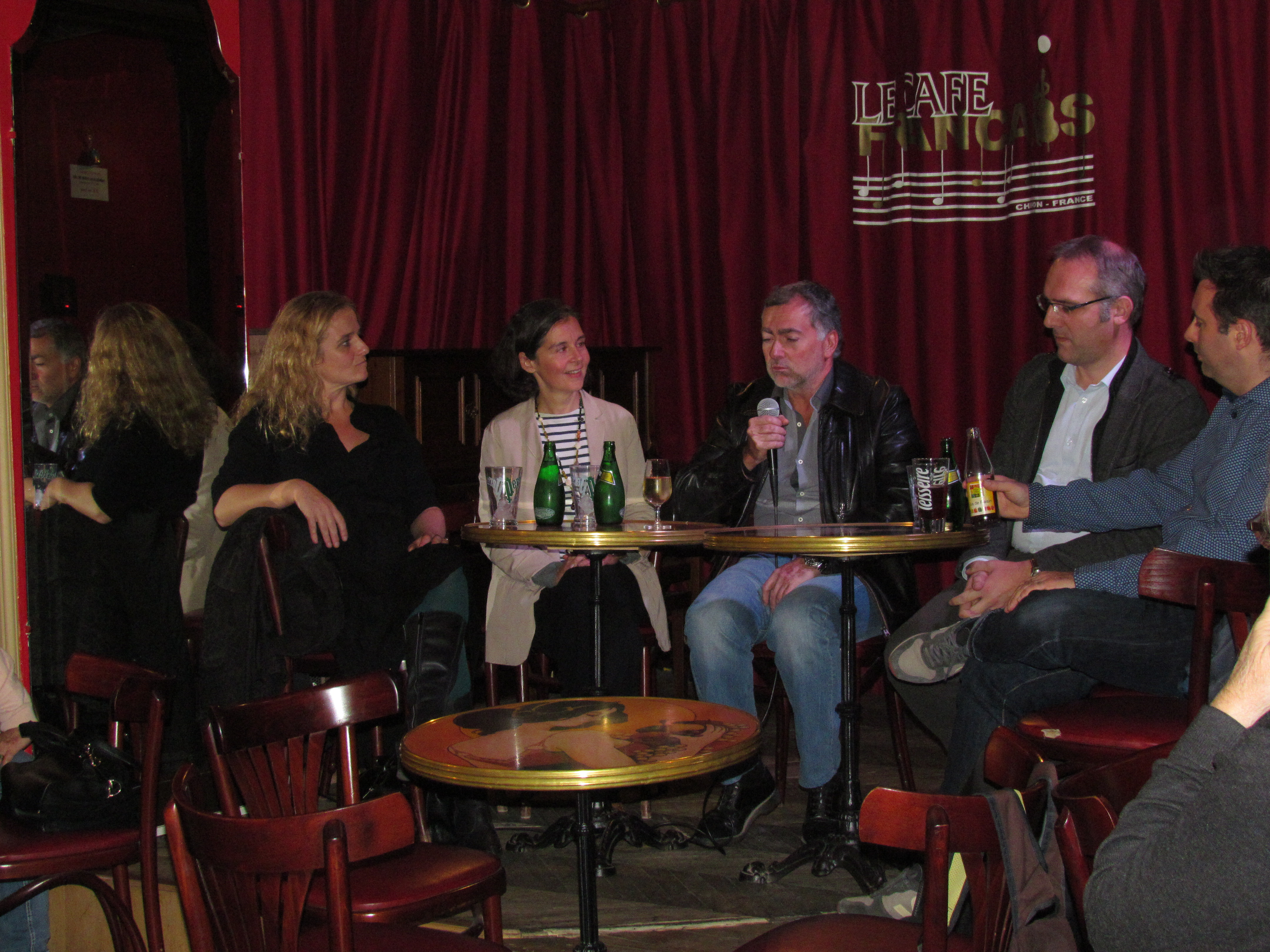 Dimanche 6 novembre - Clôture du festival par une table ronde animée par Pascal Taranto au Café Français © Nicole Duval